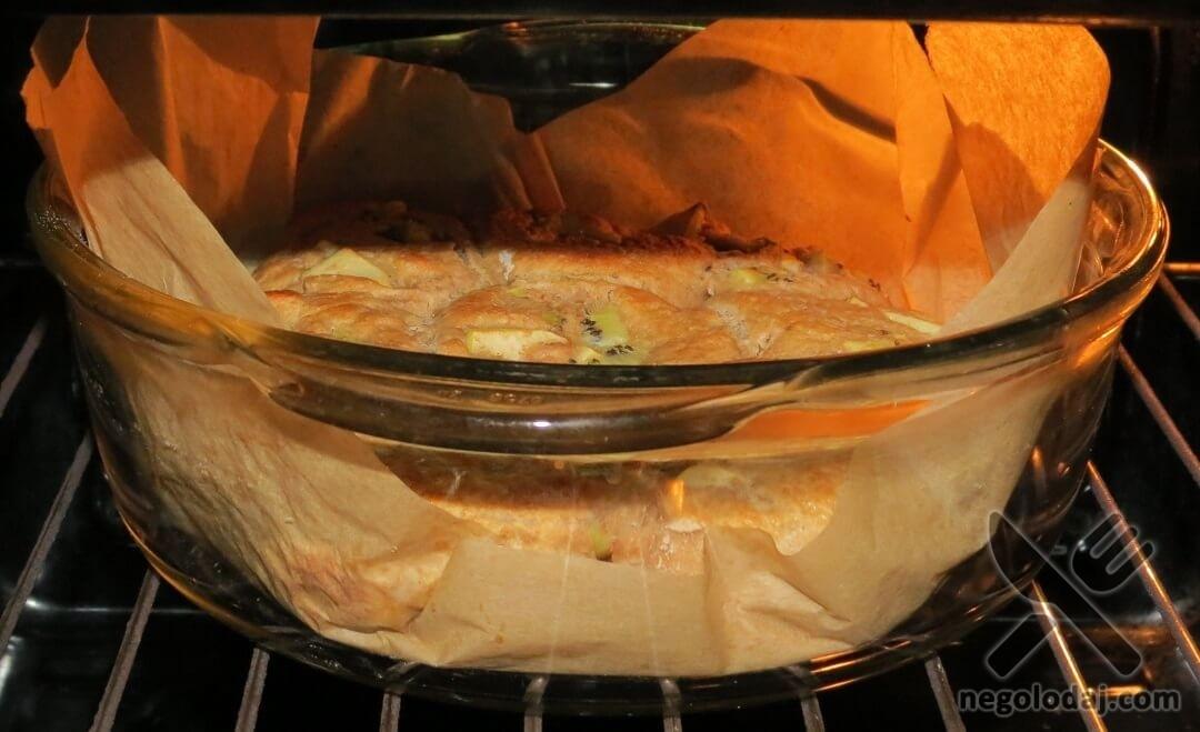Булочки с киви и яблоком в духовке