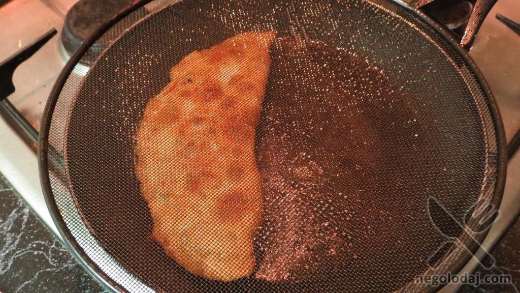Тесто на чебуреки хрустящее пузырчатое
