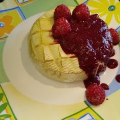 Baked Camembert With Berry Sauce