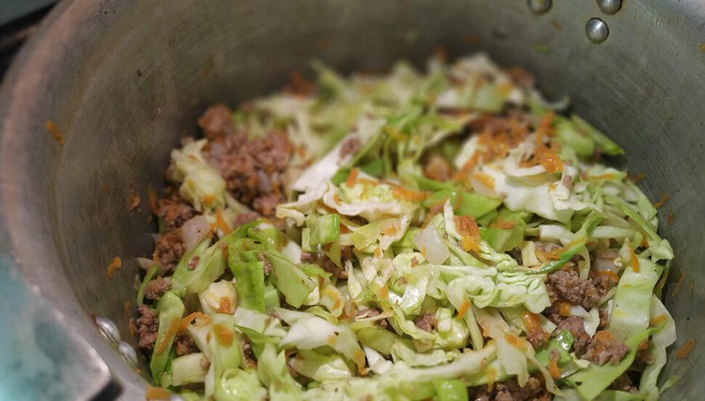 Капуста с фаршем и рисом рецепт