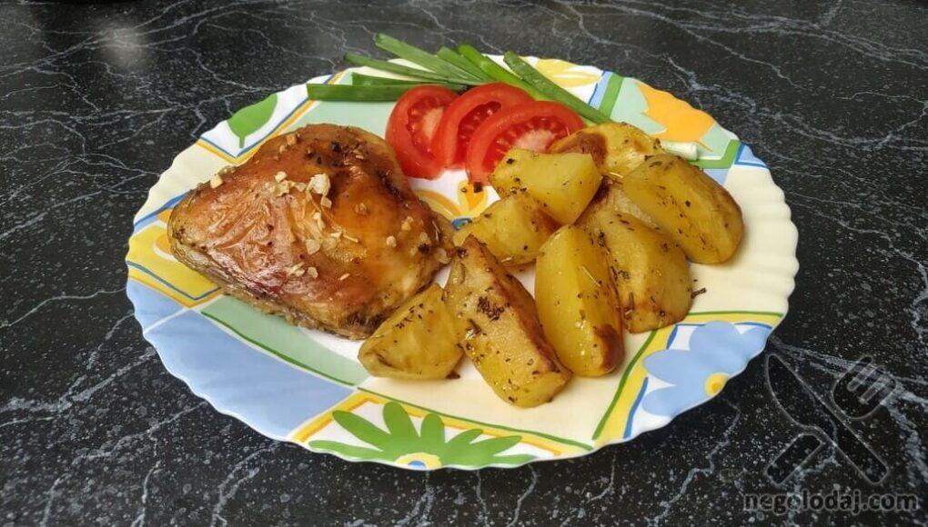 Блюдо с картошки и курицы