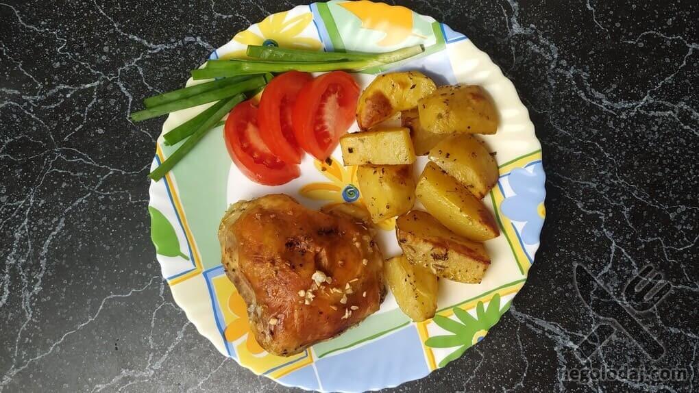 Курица с картошкой в духовке без майонеза