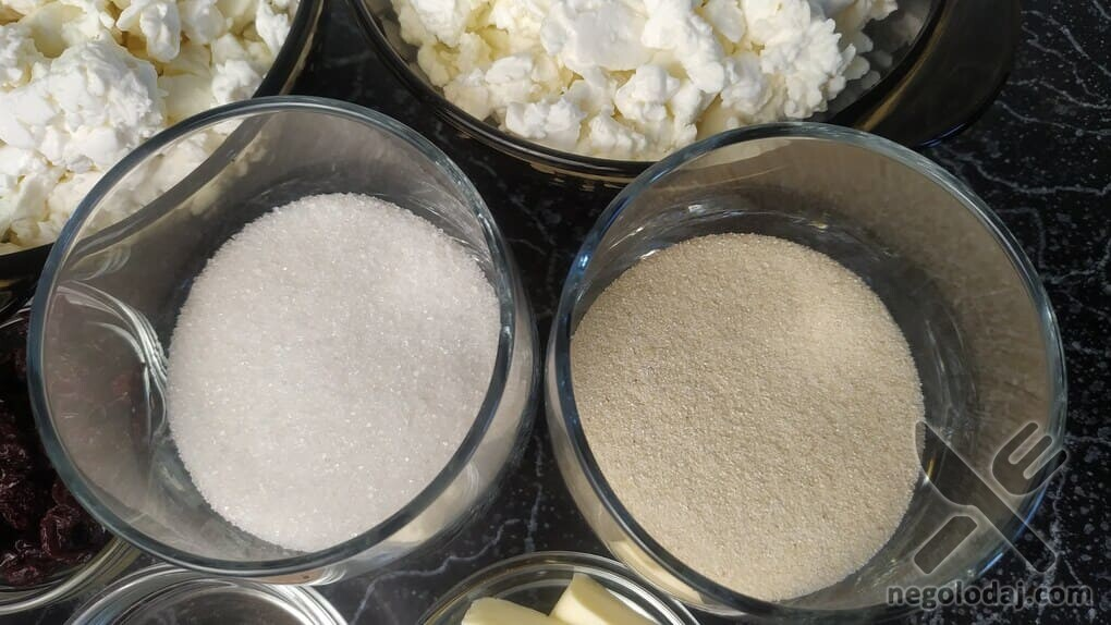 Сахар и манка