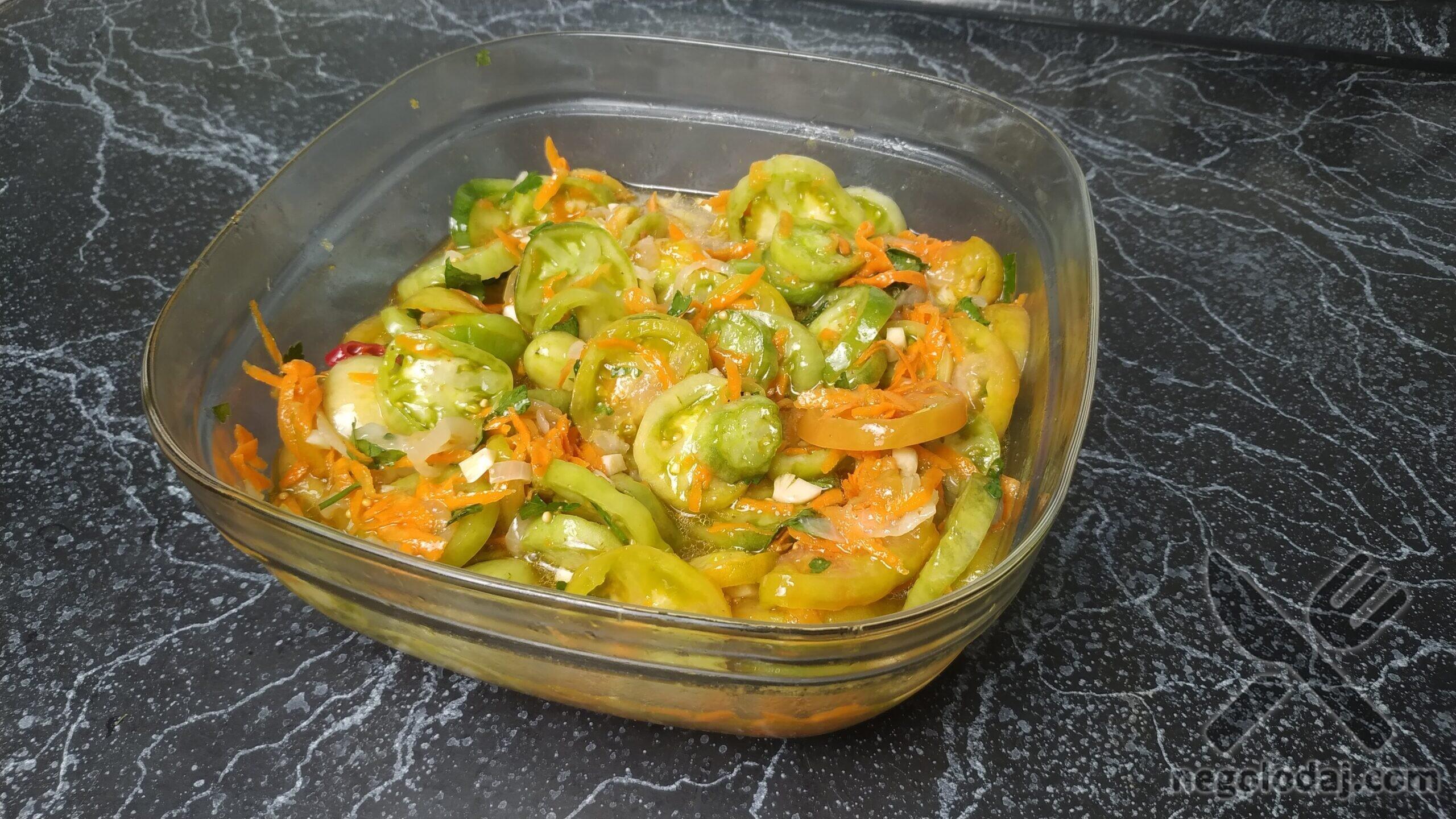Готовые зеленые помидоры по-корейски